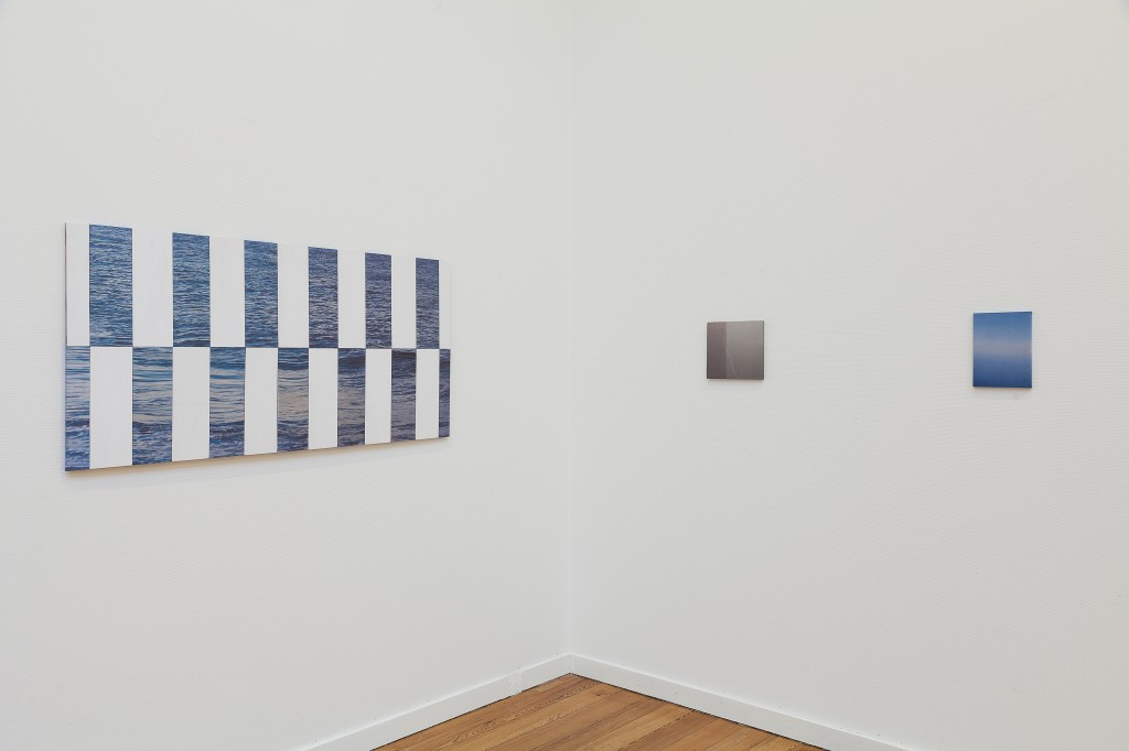 Installation view 'What's the matter?', 'Untitled' 70x140, 'X' 13x15, 'Transit 1' 24x17, 2012